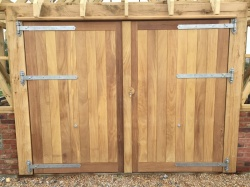 Garage & Barn Doors